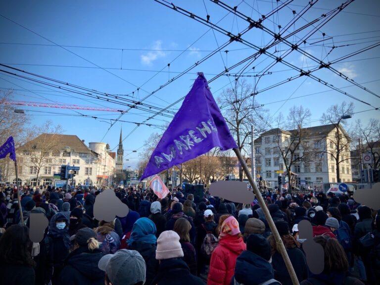 Kundgebung auf dem Ni una menos-Platz